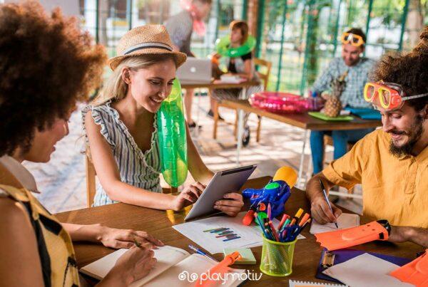 5 tips para motivar al personal para trabajar en verano - Gamificación para empresas - Playmotiv